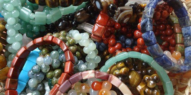 Bijuterii din cristale si pietre