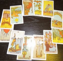 Etalarea cartilor de TAROT